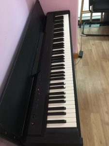 dan-piano-casio-px-830bk